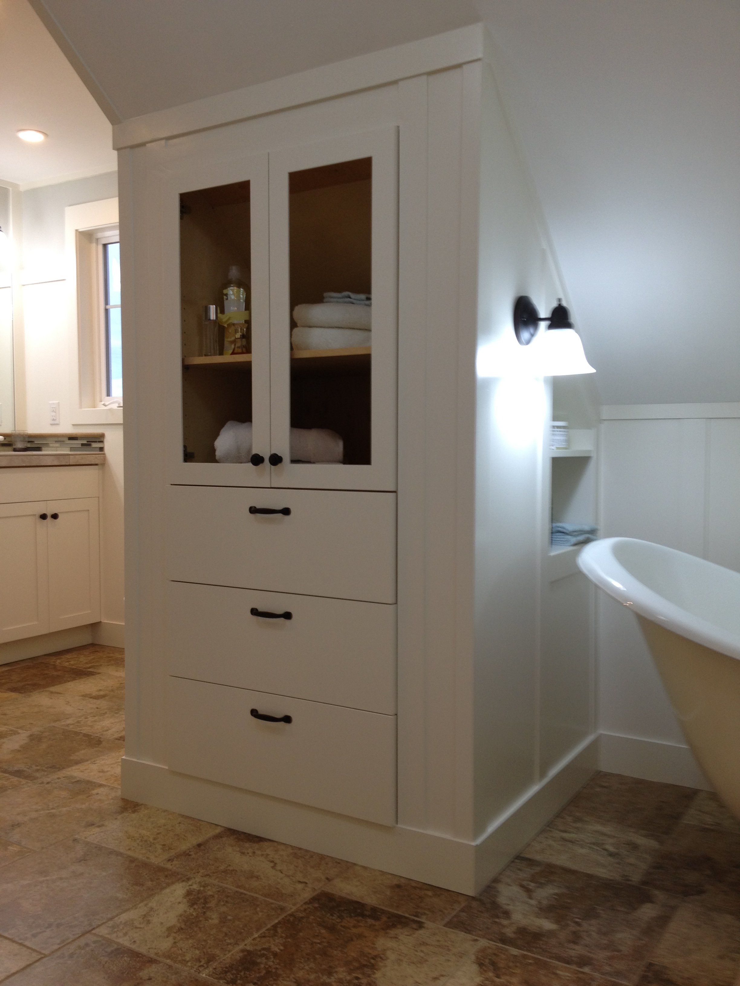 Bathroom built in linen 300x400 kitchen bath laundry for Bath remodel vancouver wa