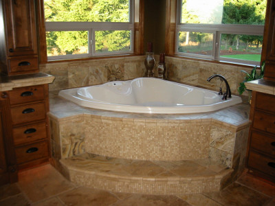 travertine-tub-surround