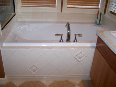 bathroom-tub